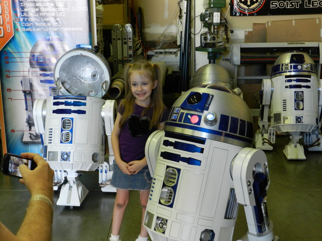 Gillian posing with a full scale fully operational R2D2.